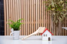 Dlaczego warto wybrać domy z bali